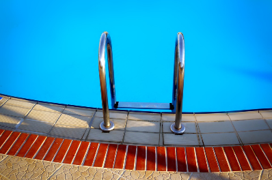 Safe swimming pool